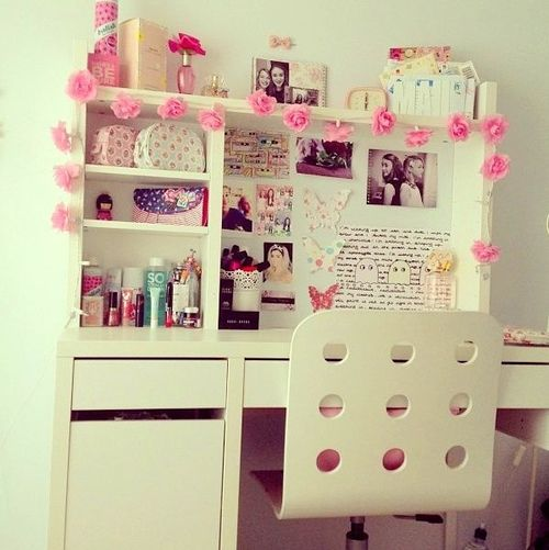 3 decorate one side of your wall choose a quote and make the letter with photographs put some light on the wall and your room is ready - Bedroom Decor Tumblr