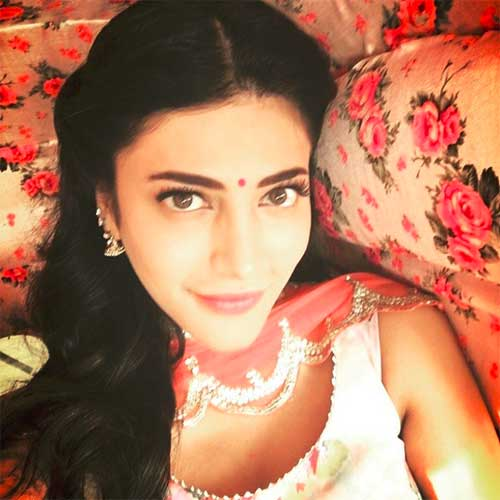 Shruti haasan Suit Salwar Picture on Instagram