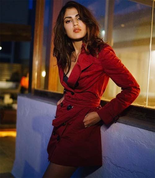 Rhea Chakraborty hot look