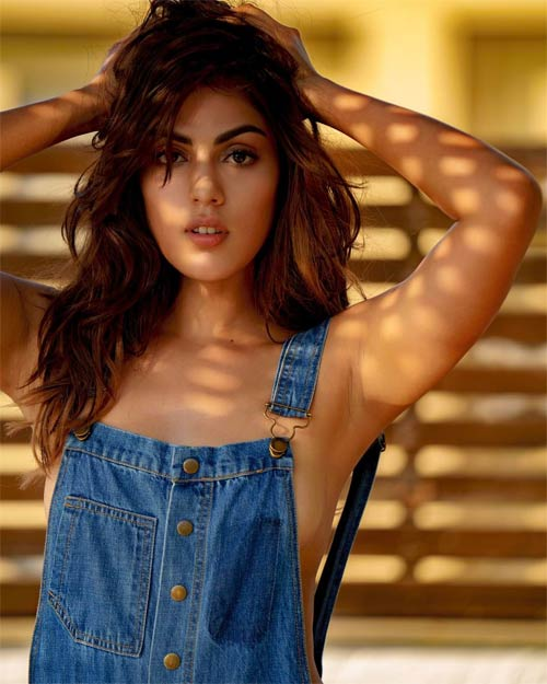 Rhea Chakraborty Hot pictures you cant ignore