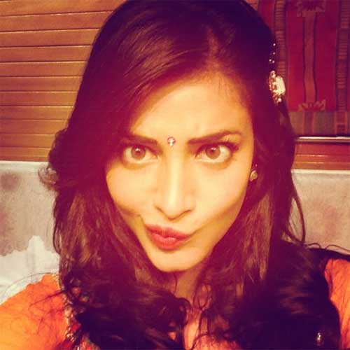 Shruti haasan  funny face making picture on instagram