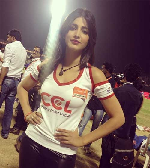 Shruti haasan wearing sports wear instagram picture
