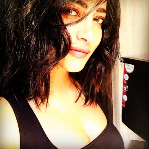 Shruti haasan Cute instagram picture everyone should follow
