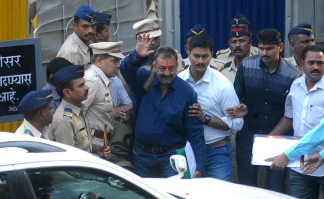 Sanjay Dutt coming out from the jail, Ranbir shot for his movie