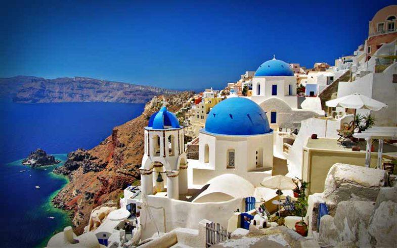 Santorini, Greece Popular Honeymoon Destination